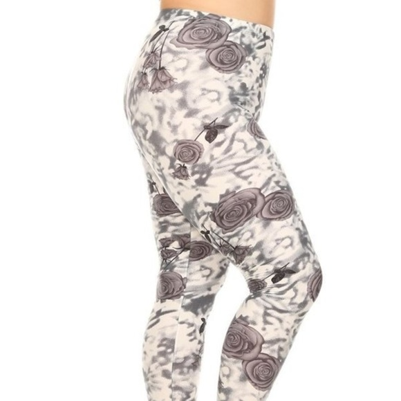 ad8037e9f75 New Plus size 3x 4x White Grey Roses leggings pant. Boutique. LEGGINGS DEPOT